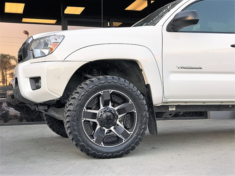 Star Motor Sales >> Toyota Tacoma Level Kit | 20x9 XD811 Rockstar 2 Black/Machined | Toyo M/T 275/55R20 - All Star ...