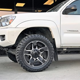 Toyota Tacoma Level Kit | 20x9 XD811 Rockstar 2 Black/Machined | Toyo M/T 275/55R20