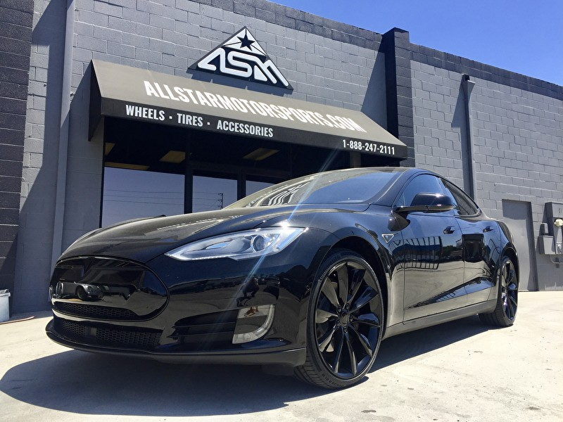 Full Blackout Kit on This Tesla Model S