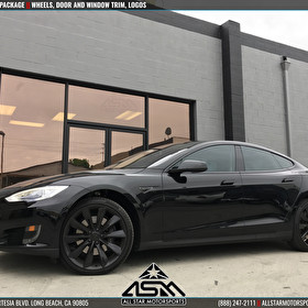 Tesla Model S | Blackout Package | Window Trim, Logos, Door Panels | Powdercoated Wheels