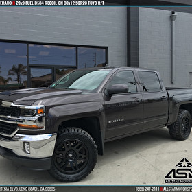 2017 Chevrolet Silverado | 20x9 Fuel Offroad D584 Recoil and Toyo R/T 33x12.50R20