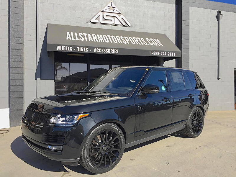 Black Range Rover HSE Full Size with Blackout Package and Strut Grille and Side Vents Package
