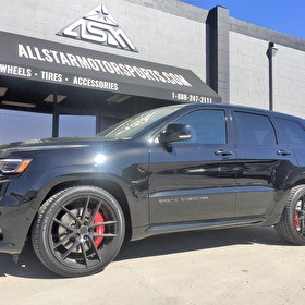 "Black Jeep Grand Cherokee SRT8 | 22"" Staggered Niche M130 Targa Black/Machined DDT Finish"