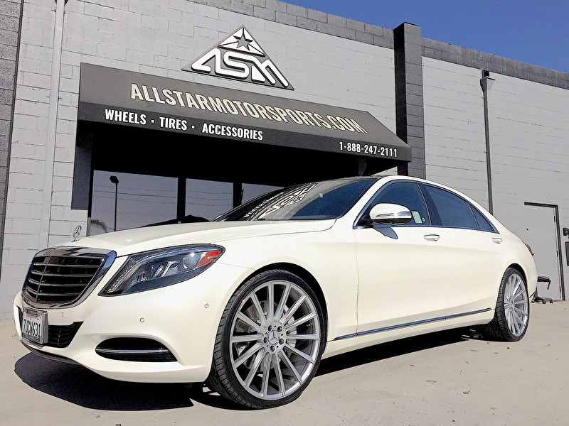 White Mercedes S-Class on 22 Inch Staggered Silver Kronos Wheels and Toyo Proxes 4 255/30R22 Front 305/25R22 Rear