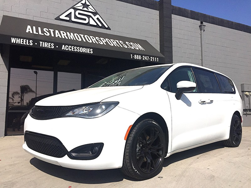 Chrysler Pacifica | Blackout Package | 20x9 SRT8 Replica Wheels | 255/45R20 Lexani Tires
