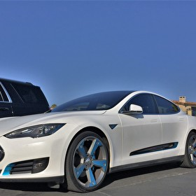 STRUT | Tesla Model S | STRUT Wheels and Grille Kit | Custom Painted