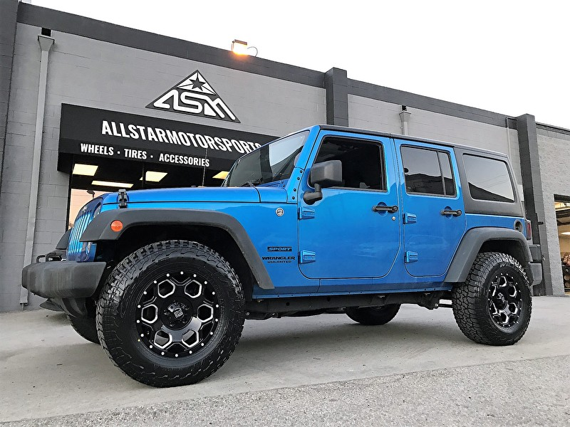 Blue Jeep Wrangler 4 Door | XD813 Batallion Black Milled