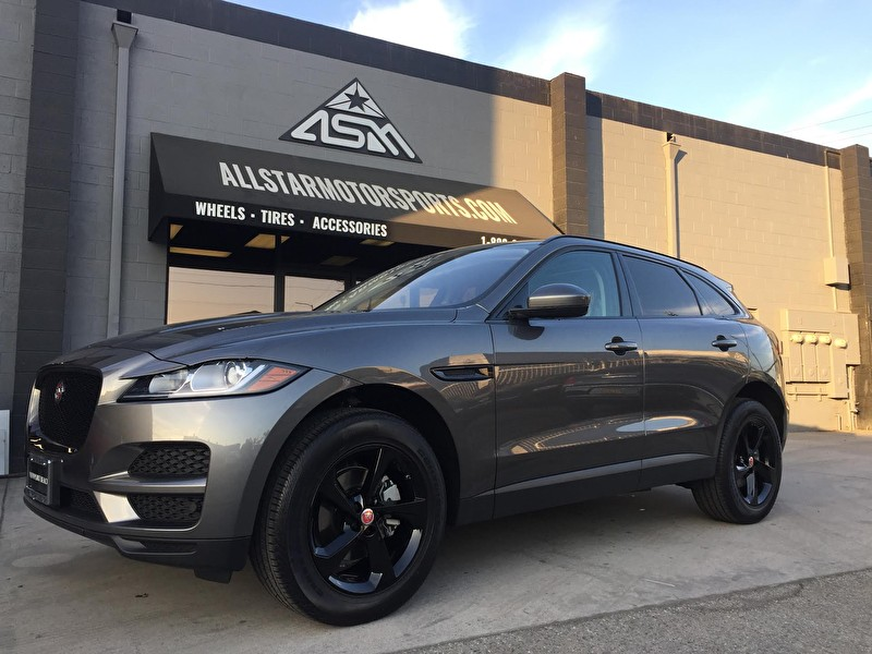 Jaguar F-PACE | Blackout Package on Black Powdercoated Wheels