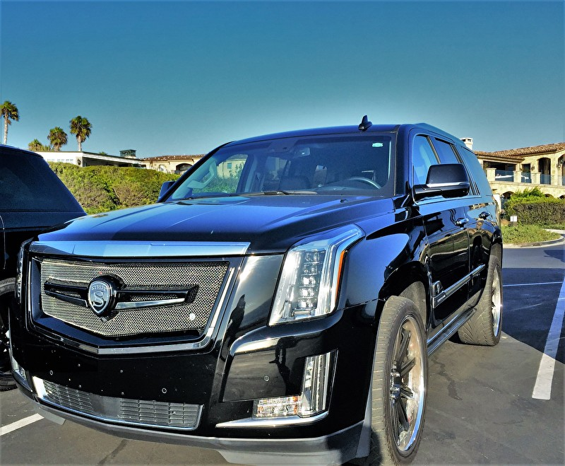 STRUT | Cadillac Escalade | Blackout with STRUT Grille Kit