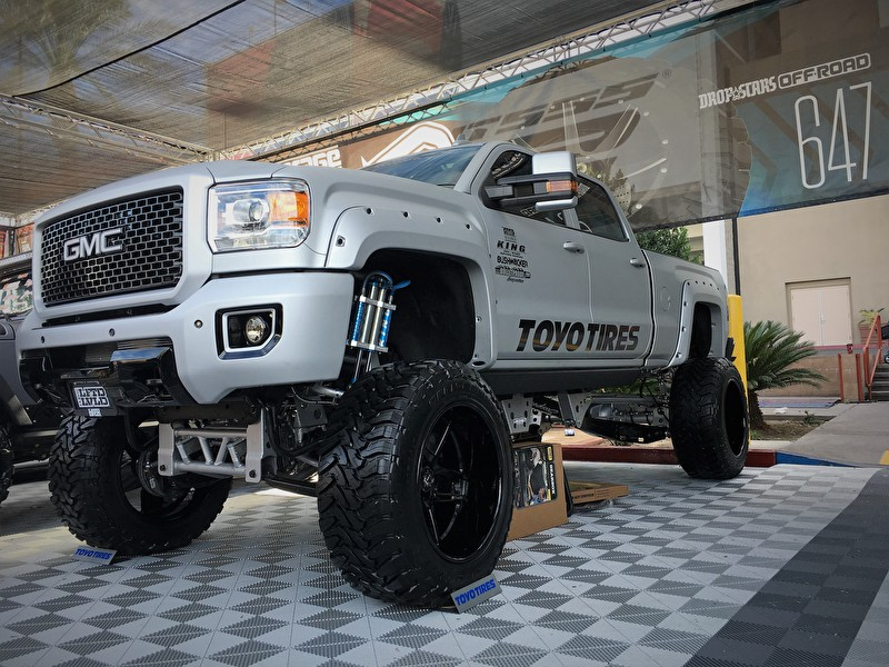 GMC Sierra 2500 Lifted on TIS Offroad Wheels and Toyo Open Country M/T