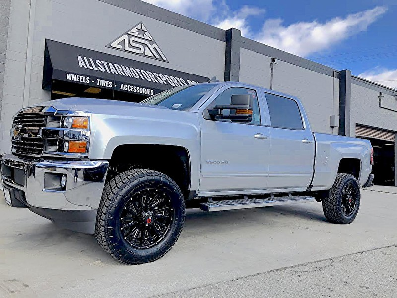 Puente Hills Chevrolet | Silverado 2500HD with Leveling Kit | 20 Inch Worx 810 Sentry on Nitto Terra Grappler G2 295/60R20 Tires