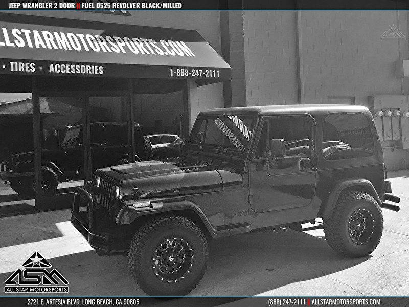 Jeep Wrangler on Fuel Offroad Wheels D525 Revolver Black/Milled