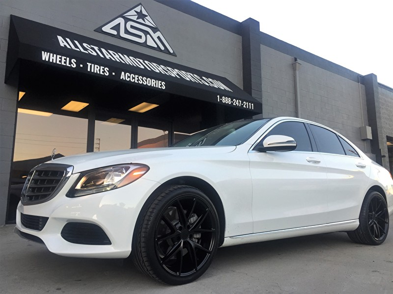 Mercedes Benz E-550 | 19x8.5 and 19x9.5 Staggered Niche M117 Misano All Black