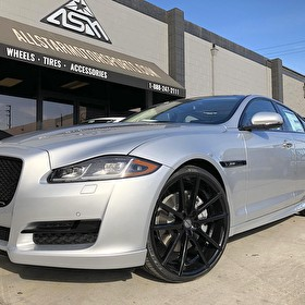 Jaguar XJ Blackout Package and 22 Inch Setup | 22 Inch Staggered Sporza V5 Black on Pirelli P Zero 245/30R22 Front and 295/25R22 Rear Tires