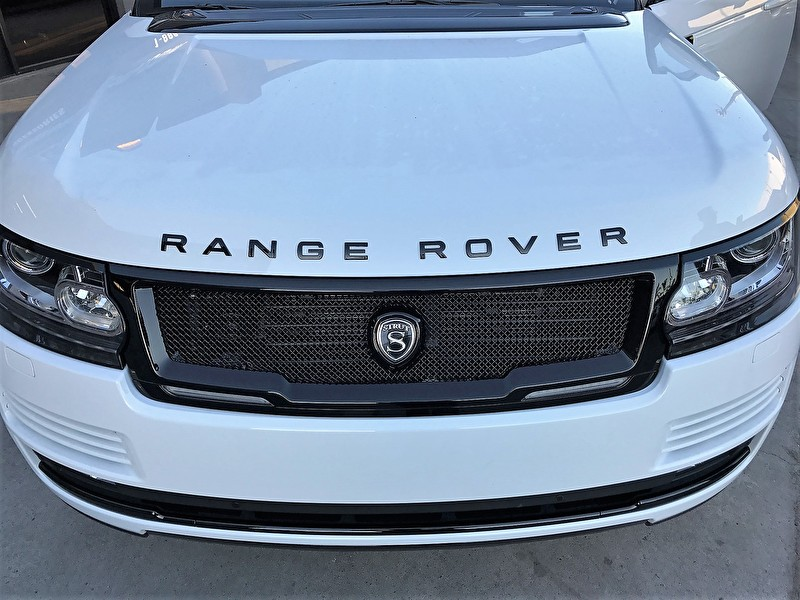 STRUT Grille Accessory Package | White Range Rover HSE Full Size | Blackout Package