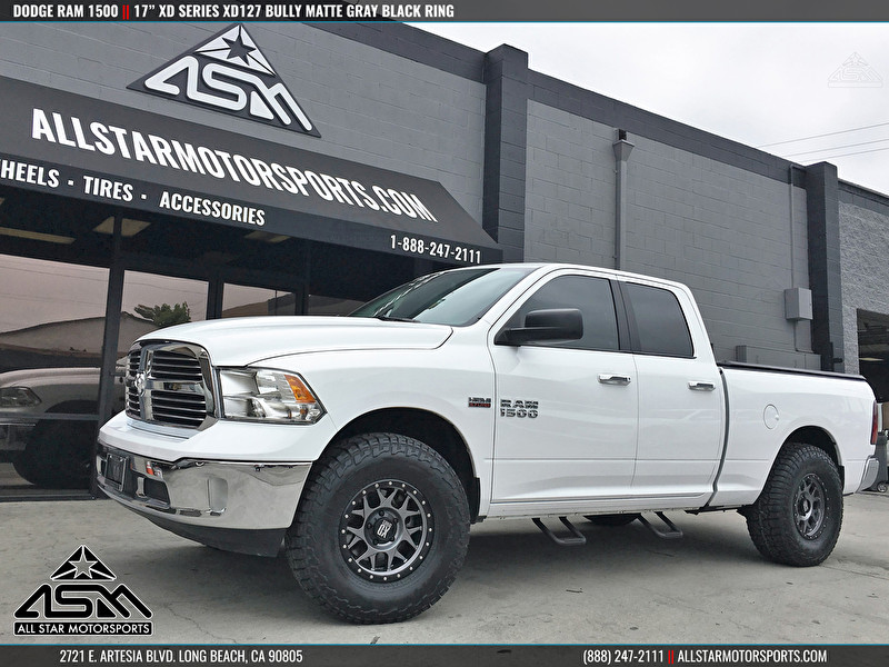 White Dodge Ram 1500 | 17 Inch XD Series XD127 Bully Matte Gray Black Ring
