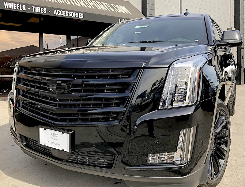Allen Cadillac | Escalade Blackout Package | Black Powder Coated Wheels | Grille Closeup