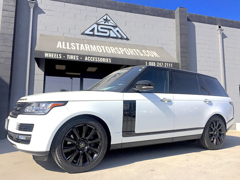 White Land Rover Range Rover HSE | Blackout Package Side Vents, Grille, Body Trim