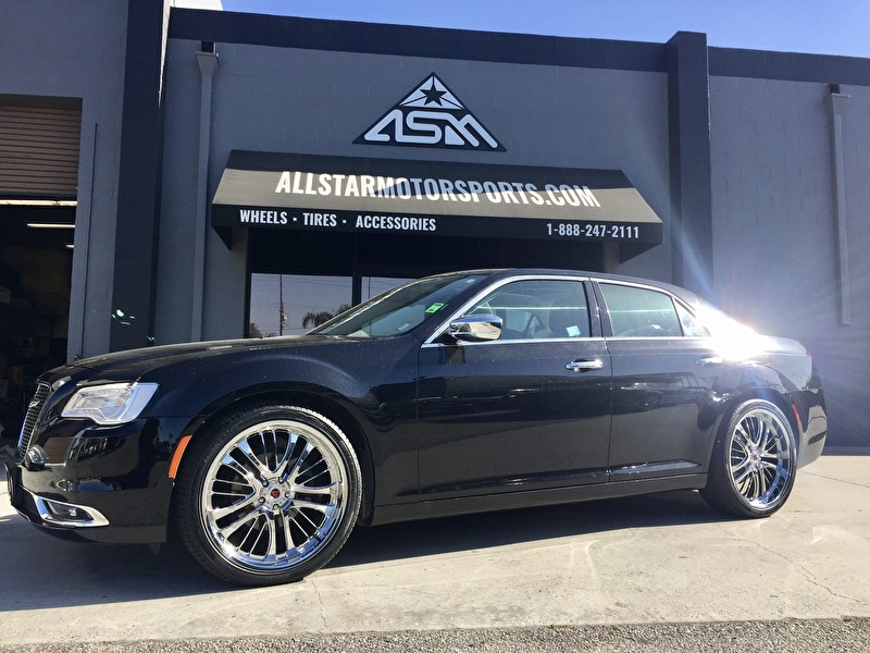 "Black Chrysler 300C on 22"" Custom Chrome Wheels"
